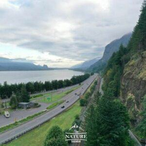 columbia river gorge scenic drive in oregon