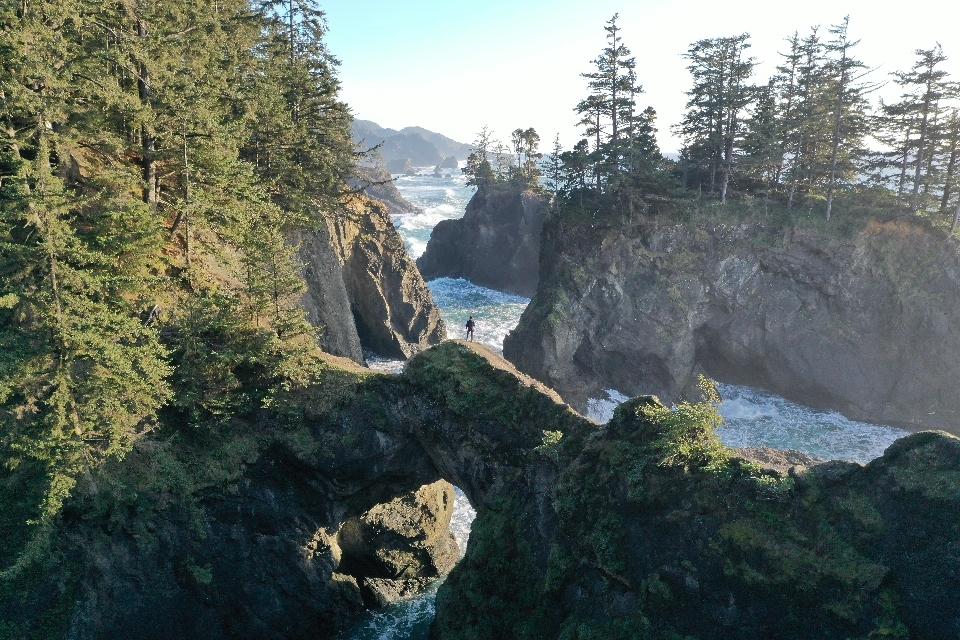 natural bridges iconic hike
