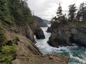 natural bridges oregon hike
