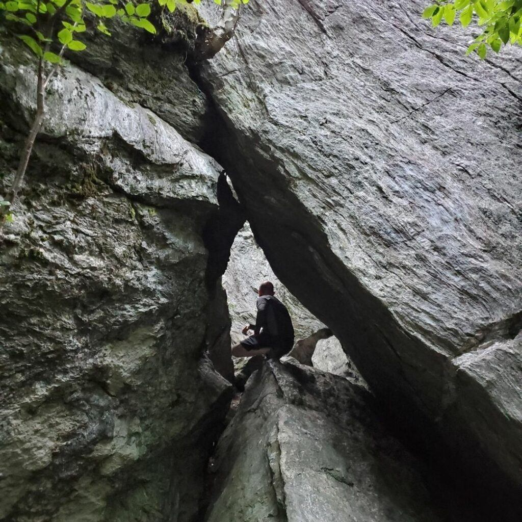 smugglers notch caves