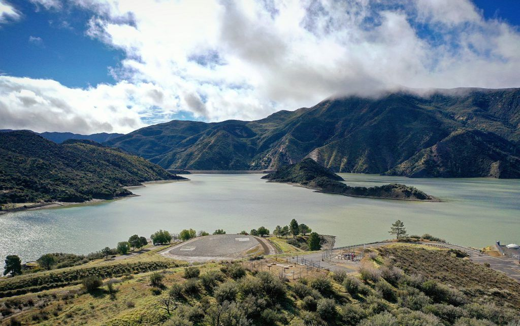 pyramid lake in interstate 5