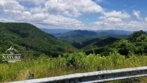blue ridge parkway scenic drive on the appalachian mountains