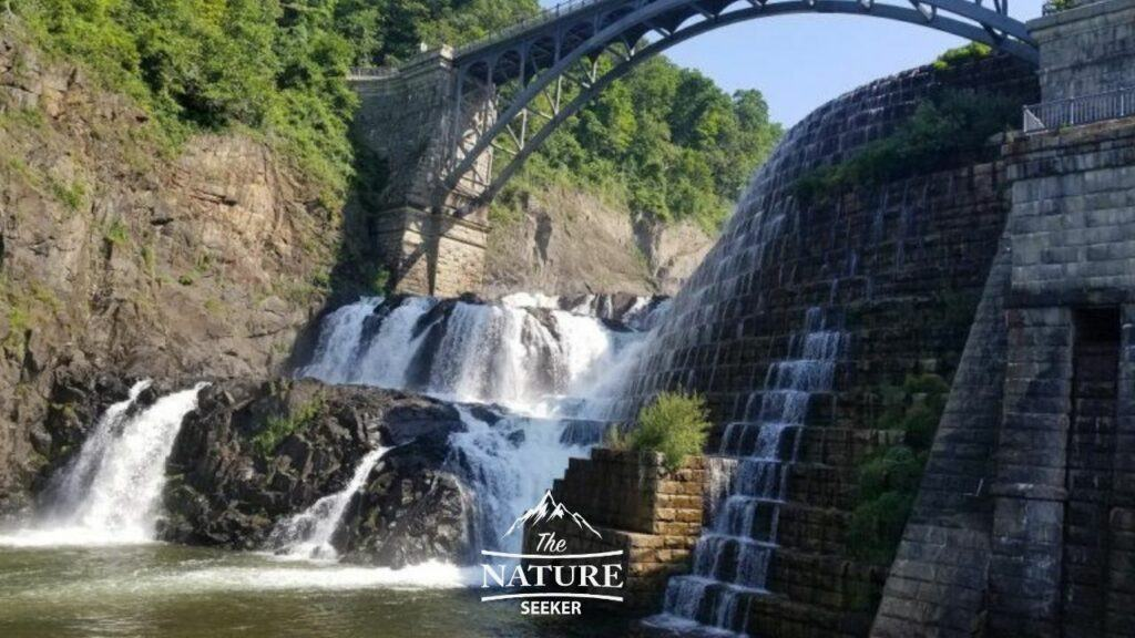 croton dam gorge park nature spot in new york