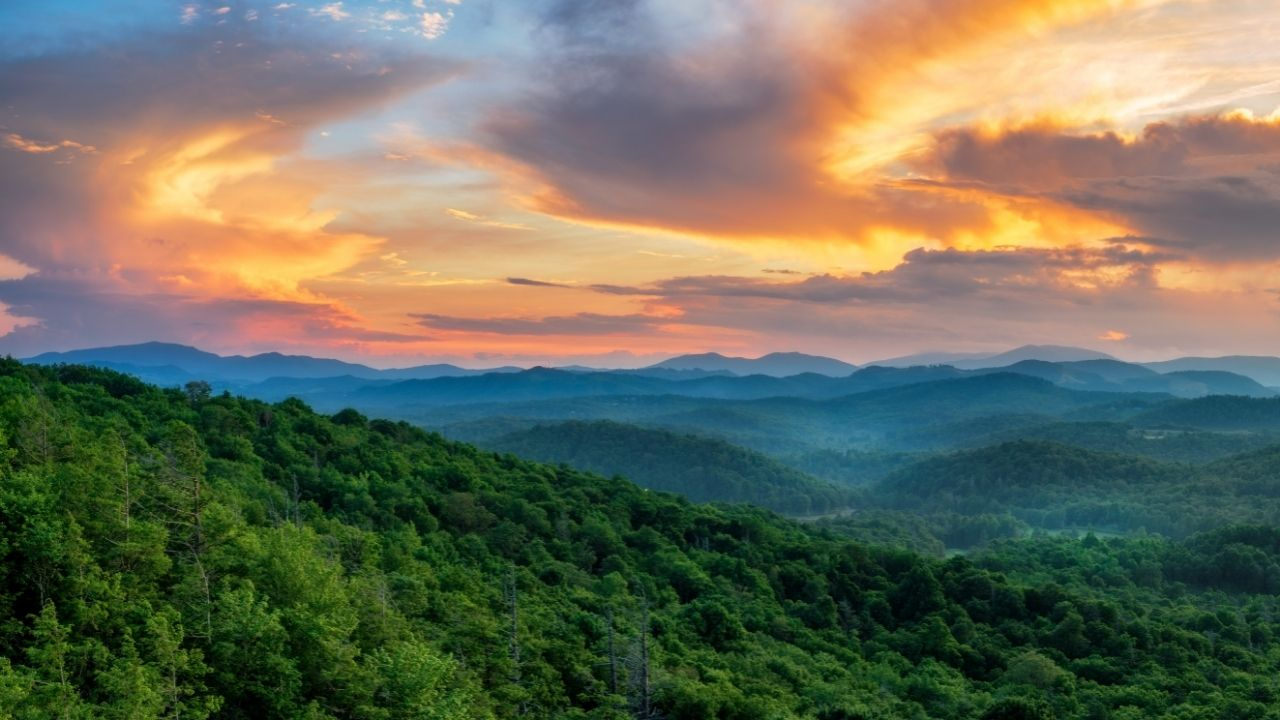 sunset photo in the blue ridge mountains 05
