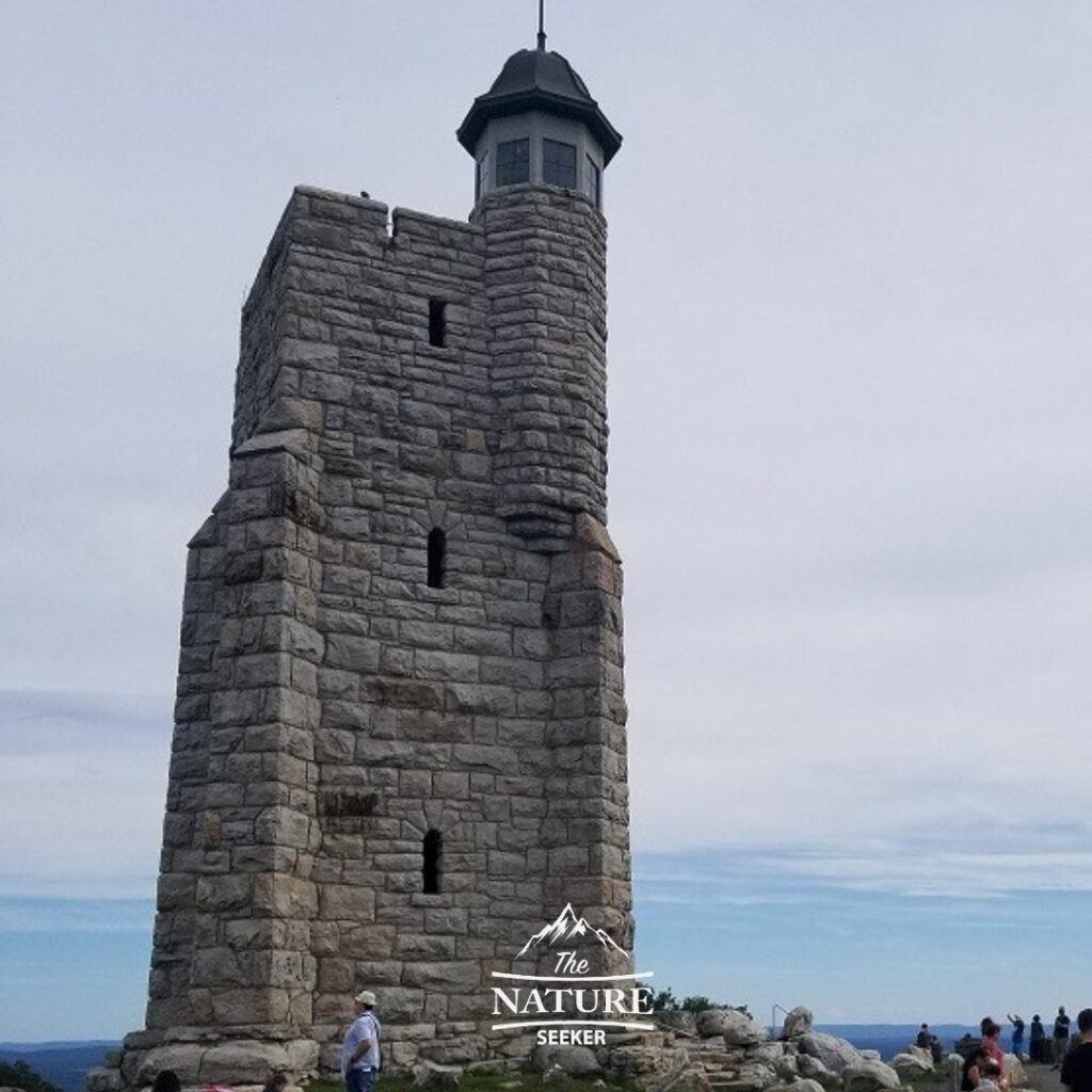 hiking to skytop tower at mohonk preserve