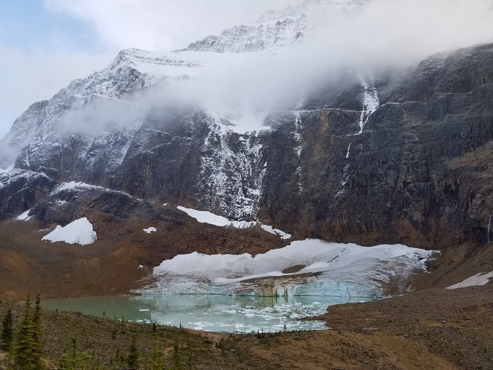 Mount edith cavell photo