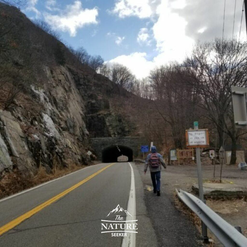 the beginning of the breakneck ridge hike by the tunnel 01