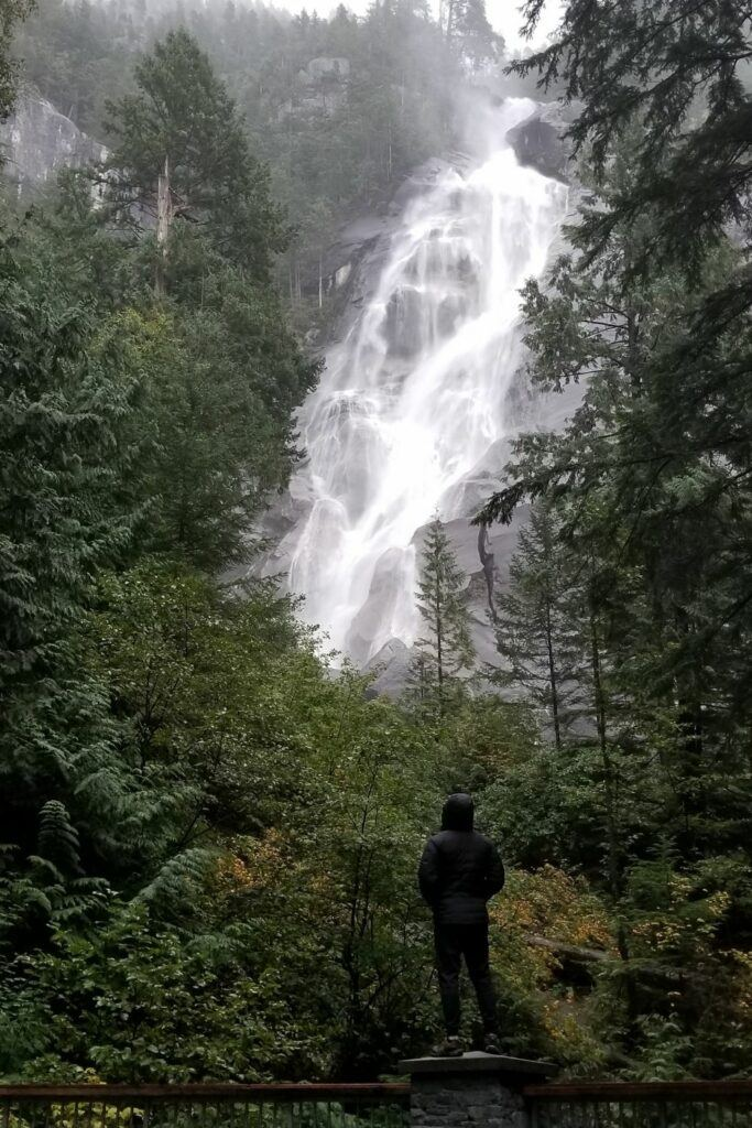 shannon falls canada near beach