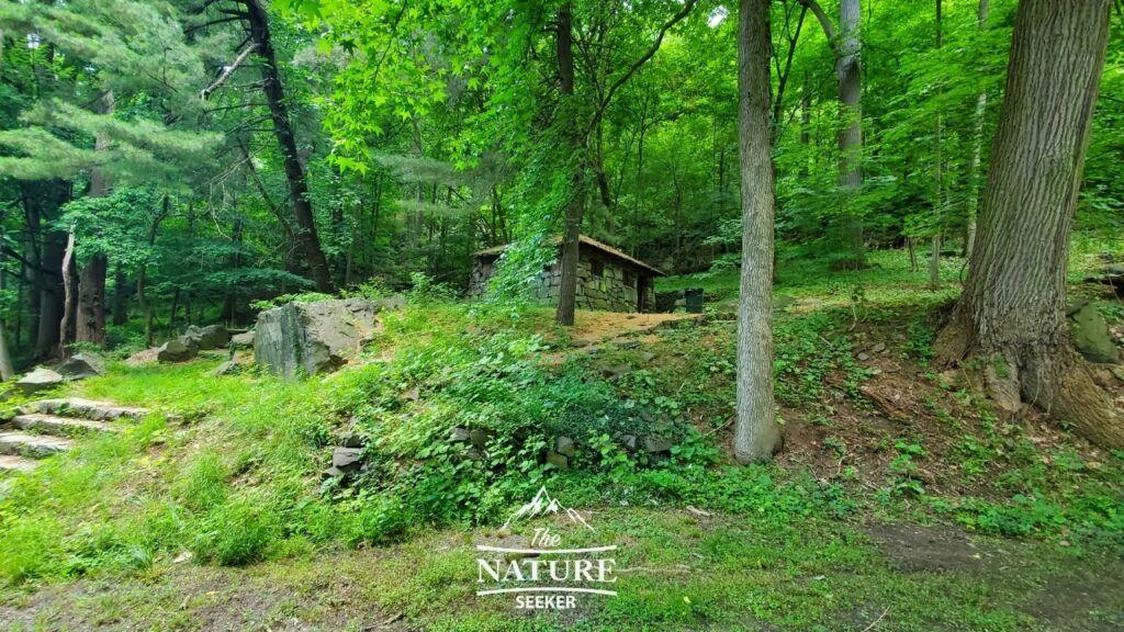 fort lee historic park hiking trails 01