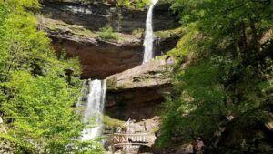 kaaterskill falls catskill mountains hiking trail 02