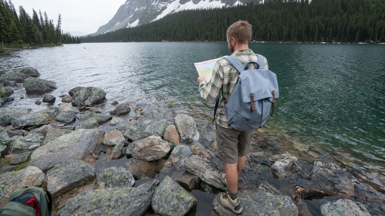 what to bring on a hike trail maps