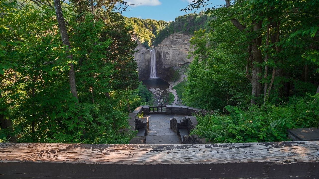 taughannock falls picture at finger lakes ny 09