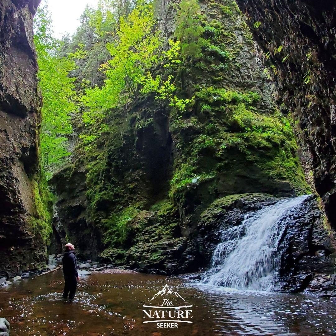 north shore minnesota secret waterfall hike 04