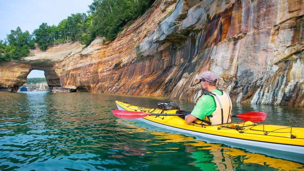 pictured rocks national lakeshore natural bridge kayak